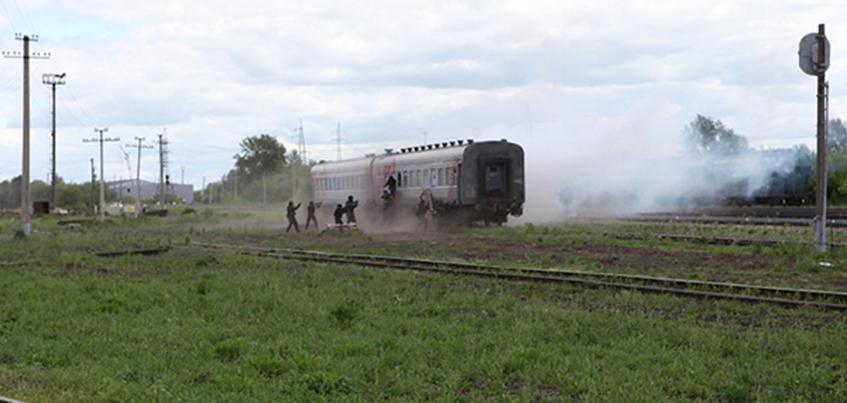 Фотофакт: учения по освобождению заложников прошли в Ижевске