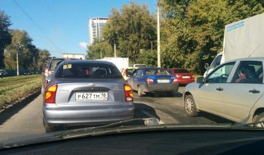 Ижевск «стоит» из-за аварий и неработающих светофоров