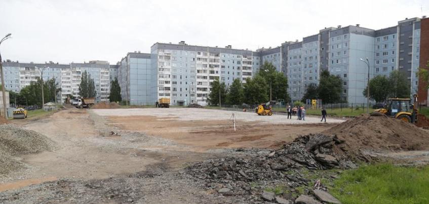 Фото: школьные стадионы начали ремонтировать в Ижевске