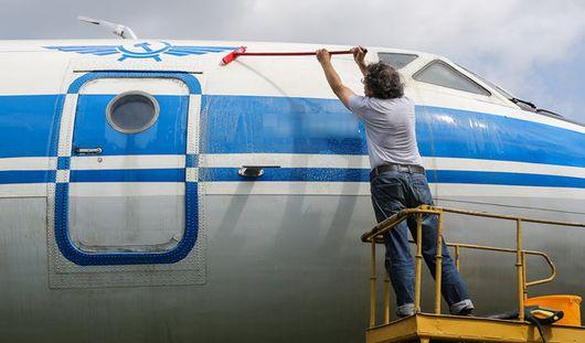 Есть вопрос: как моют самолеты в аэропорту Ижевска