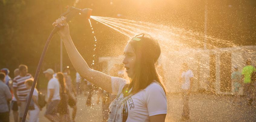 Есть вопрос: ждать ли жары в Ижевске в июле?