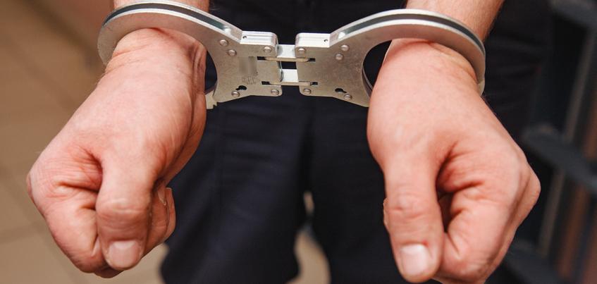 Жители Ижевска побили полицейских после просьбы закурить