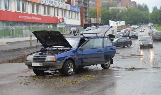В Ижевске приподнимут участок парковки у ТЦ «Аврора»