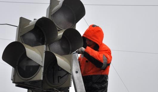В Ижевске 5 сентября отключат светофор на перекрестке улиц 10 лет Октября и Чехова