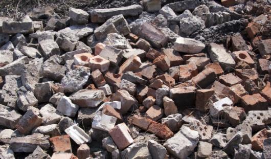 В Ижевске рабочего придавило упавшей стеной