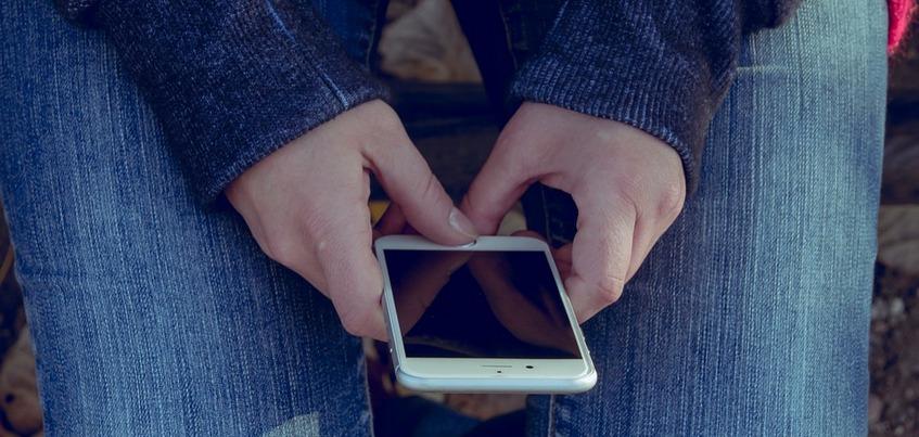 Школам Удмуртии рекомендуют ограничить ученикам пользование телефонами