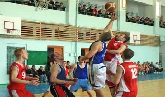 Вторую победу подряд одержали ижевские баскетболисты
