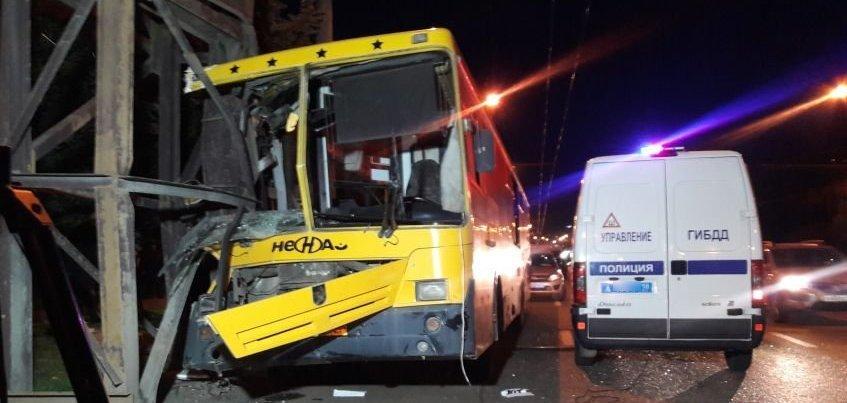 ДТП с автобусом в Ижевске: водитель «Нефаза» отвлекся от управления