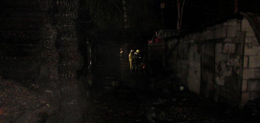 Житель Ижевска поджег дом своих знакомых, где находились дети