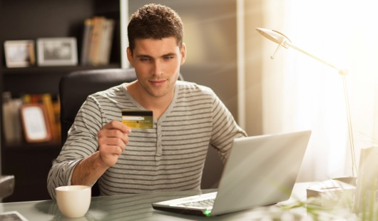 Жители Удмуртии все чаще оплачивают услуги ЖКХ через «Сбербанк Онлайн»