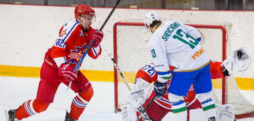 Хоккеисты «Ижстали» крупно проиграли «Торосу»