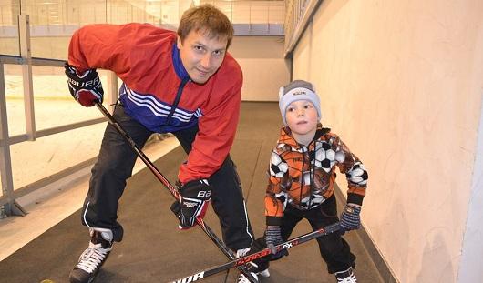 За месяц в жизни капитана хоккейной «Ижстали» произошло сразу несколько радостных событий