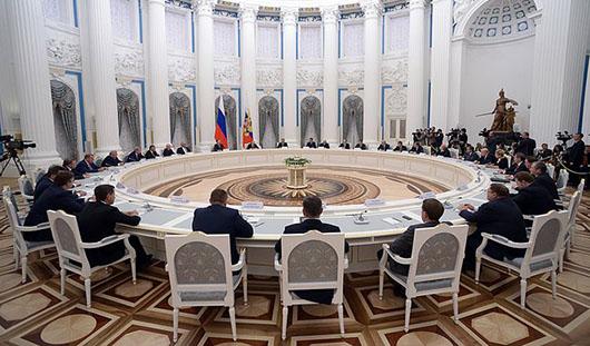 Владимир Путин встретился с избранным Главой Удмуртии Александром Соловьевым