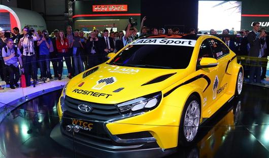 «АвтоВАЗ» выпустит гражданский вариант спорткара Lada Vesta WTCC