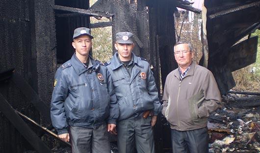 В Ижевске сотрудники ППС спасли инвалида из пожара