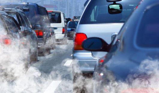 Автомобилисты вдыхают вредных выбросов в 15 раз больше, чем пешеходы