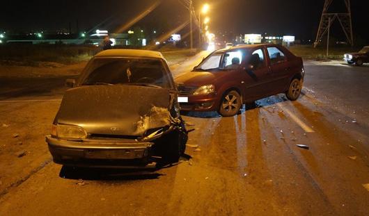 В Ижевске из-за пьяного водителя «Рено» произошла авария