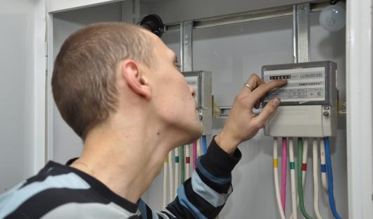Счетчики электроэнергии, установленные в квартирах, в Ижевске не перепрограммируют