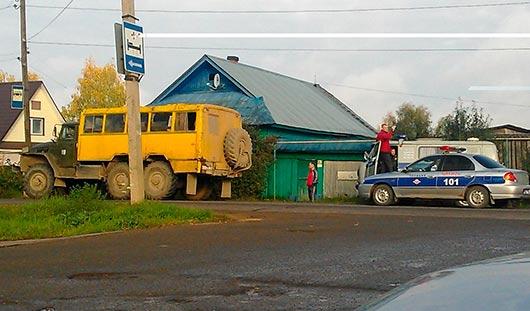 В Удмуртии под колеса «Урала» попала школьница