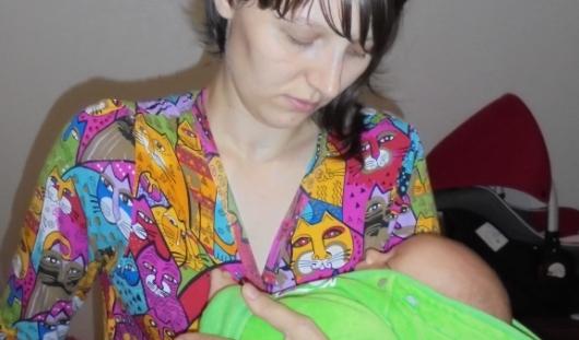 Ижевчанка с двухмесячным ребенком с трудом прогревает квартиру