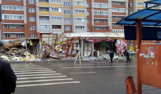 В Ижевске снесли ларек на остановке «улица Петрова»