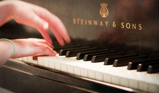 В Воткинске найден рояль, возможно, принадлежавший первой учительнице Чайковского