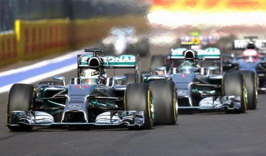 Дебютный Гран-при России «Формулы-1» выиграл британец Льюис Хэмилтон