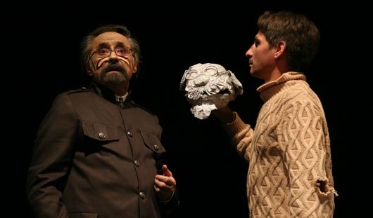 «Академия смеха» в Театре кукол Ижевска: бенефис Мустаева и газетные декорации