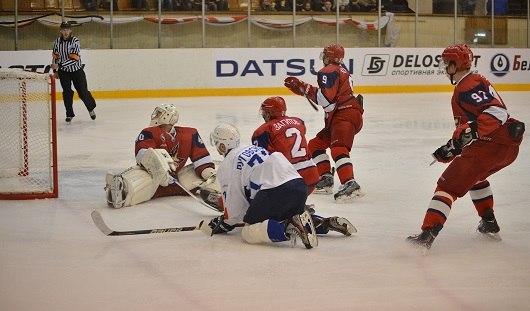 Ижевские хоккеисты проиграли третий раз подряд