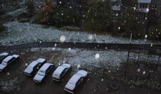 Снег в городе и пачка сигарет за 200 рублей: о чем утром говорят в Ижевске