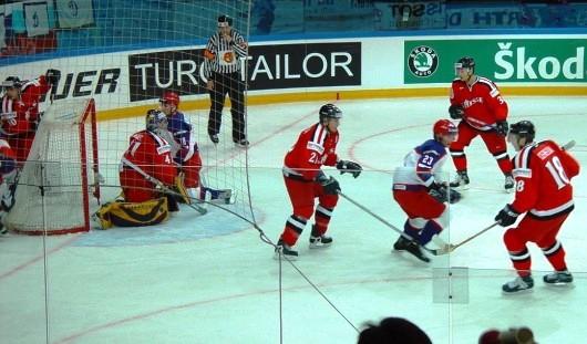 Третий домашний матч ижевские хоккеисты сыграют с Челябинском