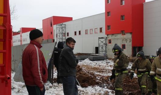 В Ижевске рабочие ТЦ «Италмас» спасали своих коллег, ломая стены