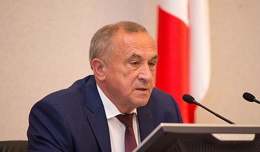 Глава Удмуртии порекомендовал ярским депутатам рассмотреть вопрос об отставке главы района