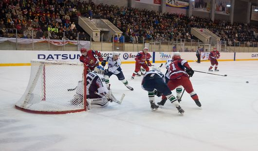 «Ижсталь» выиграла у лидера Высшей хоккейной лиги - команды «Молот-Прикамье»