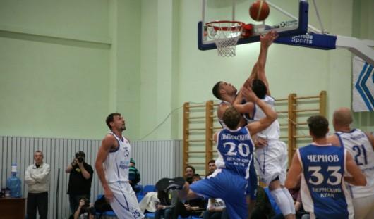Ижевские баскетболисты проиграли команде из Владивостока