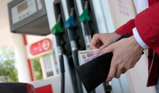 С 2015 года в России цена на бензин может вырасти на 15%