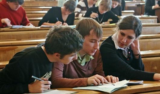 В России отличники-«платники» будут оплачивать только 1-й курс университета