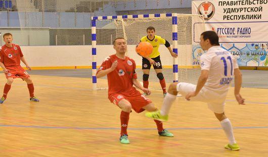 В Ижевске глазовские мини-футболисты потерпели поражение от МФК «Тюмень»