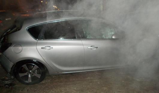 Два автомобиля сгорели в Ижевске прошедшим вечером