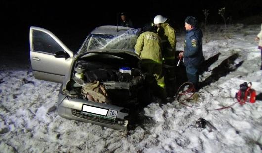 При столкновении автомобилей в Игринском районе погибла женщина
