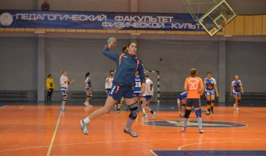 Ижевские гандболистки проиграли в Волгограде