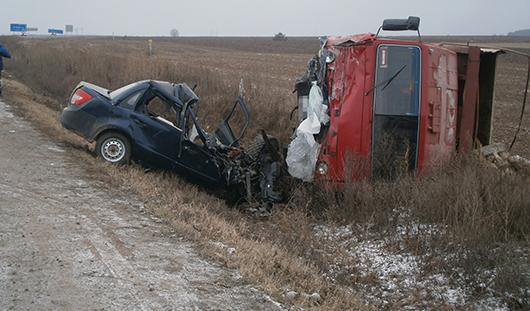 В Удмуртии в аварии погиб водитель легковушки