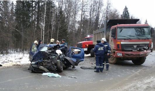 Под Ижевском в аварии погибла 24-летняя водительница «Пежо»