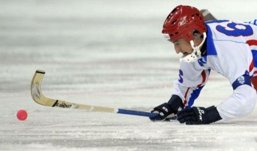 Спортсмены из Удмуртии стартовали в Высшей лиге первенства России по хоккею с мячом