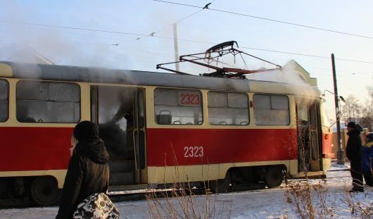 В Ижевске из-за скачка внешнего напряжения задымился трамвай