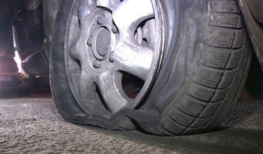 В Удмуртии полицейские были вынуждены открыть стрельбу по колесам автомобиля