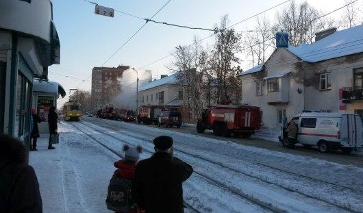 В Ижевске на улице Авангардной произошел пожар в квартире