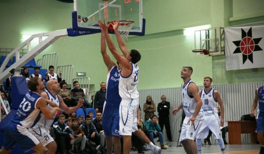 Ижевские баскетболисты порадовали своих болельщиков редкой в этом сезоне победой