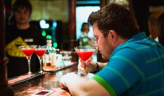 Исповеди незнакомцам: о чем ижевчане рассказывают барменам, массажистам и парикмахерам