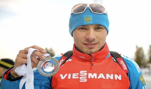Биатлонист Антон Шипулин выиграл для России на Кубке мира первую медаль в сезоне